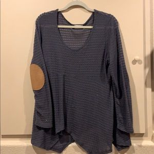 Blouse with pocket pouches